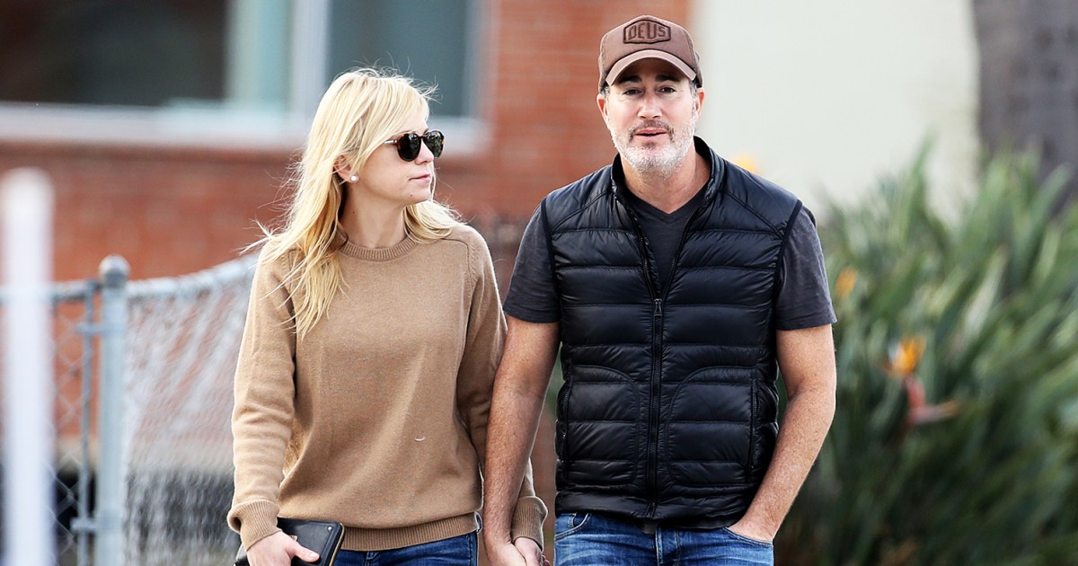 Anna Faris accidentally reveals she eloped and got married!