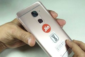 LeEco-partners-Reliance-Jio-for-its-90-day-Welcome-Offer