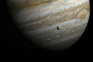 NASA Finds Water Plumes on Europa (Jupiter's Moon), hints alien life