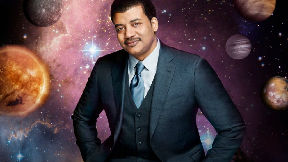 Astrophysicist Neil DeGrasse Tyson disses Flat Earth Theory yet again in his new video