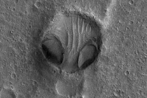 Images of suspicious 'alien head' crater named Chryse Alien Head spotted on Mars
