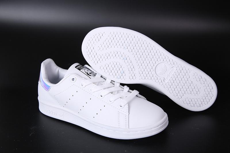Adidas Stan Smith Blanco y Plateado
