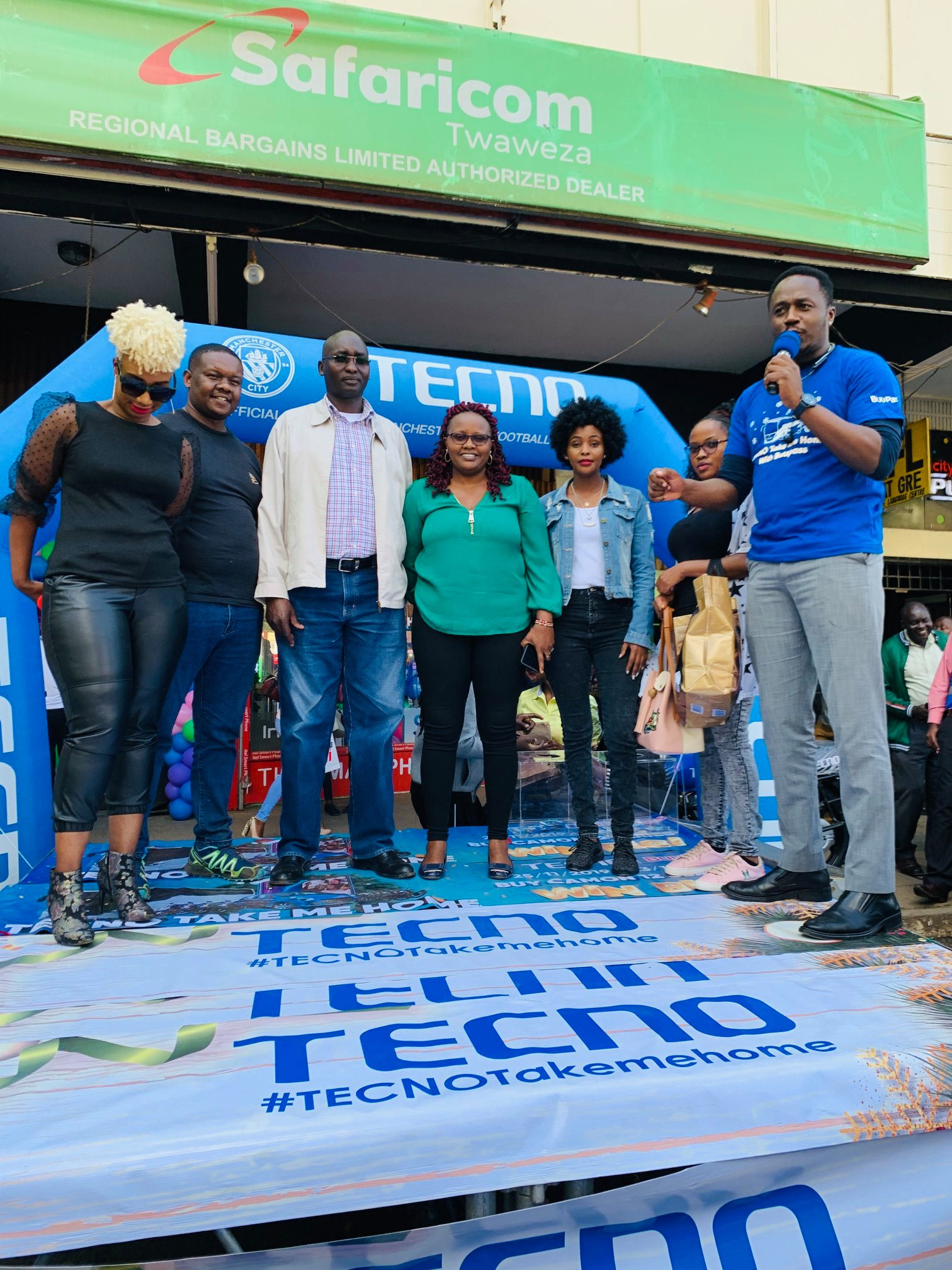 TECNO's Christmas Campaign Gave 50+ Customers Gifts