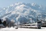 鉄道写真 絶景の雪山に映える冬の大糸線