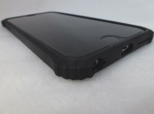 Griffin Survivor Core for iPhone 6+: Corner View
