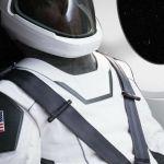 イーロン・マスクがSpaceXの公式宇宙服をInstagramで披露