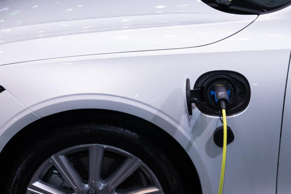 Car electric cars charge themselves