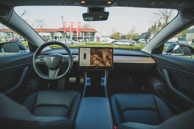 Do teslas have wifi? It is not what you think