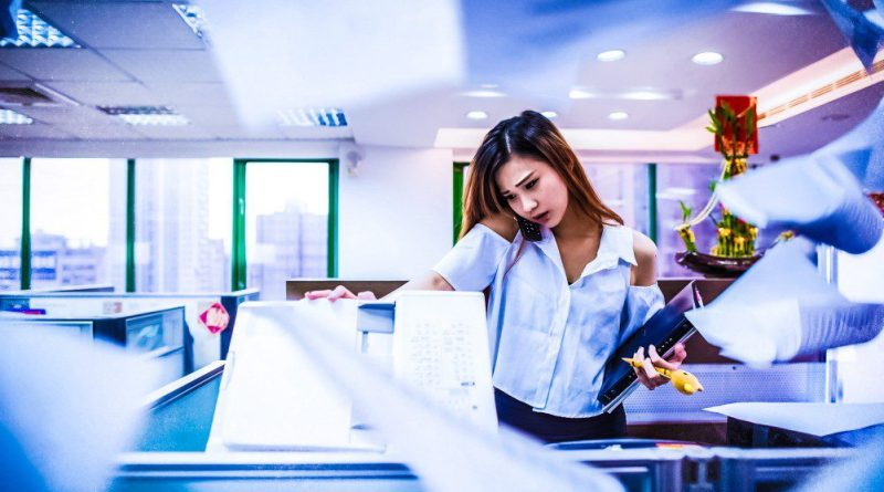 busy, office, ol, answer the phone, photocopy , woman, working, stress, bi, business intelligence, microsoft, qlikview, data, reporting, business, management