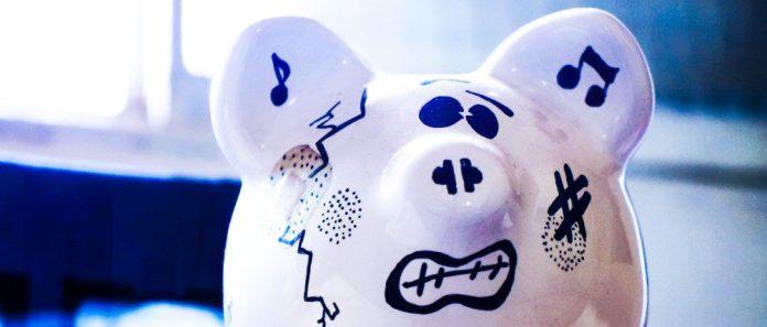 Piggy-Bank-Reward-Money-Bonus-Innovation-ROI-Crop