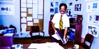 High Output Management Andy_Grove_in_His_Office Book Review Opinion Intel CEO Old Photo