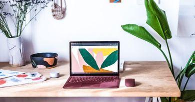Microsoft Surface Laptop Lifestyle Press Photos Desktop Arc Mouse Burgundy Design Office Home Desk Working Laptop New Product Notebook