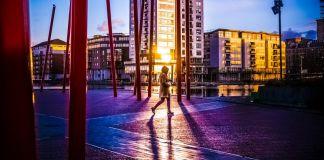 Ireland Dublin Walking Woman Sunset Morning Dusk Rainy Cold Technology IT Machine Article