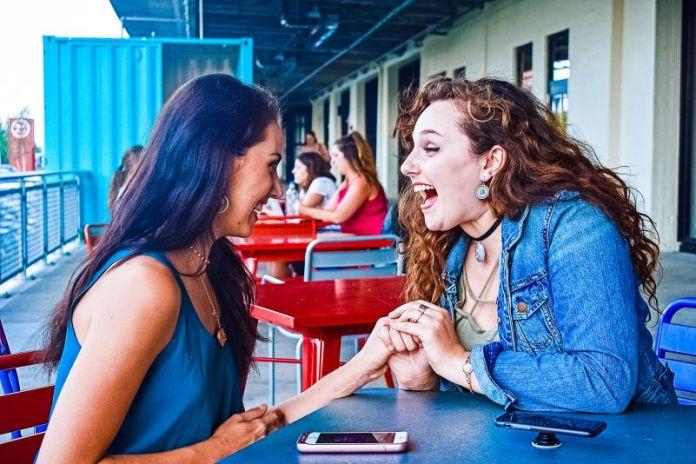 Invisawear Portable Jewelry FashionTech Gadgets Wearables Protection 911 Bracelet Necklace Alarm Bluetooth Smartphone Tech Fashion Edit