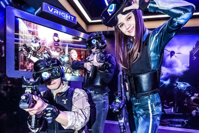 KT Corp Korea GS Retail VR Entertainment Gaming VRICHT Press Photo Group Gamers Virtual Reality Shooter