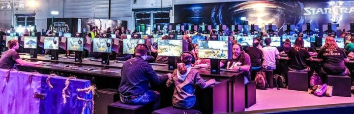 Gamescom Cologne Germany 2018 Gamers Gaming Group Public Event Fair Cinderella Law Shutdown Law