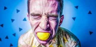 Sour-Lemon-Biting-Expression-Office-Prank-ThinkGeek-Phantom-USB-Key-Stroker