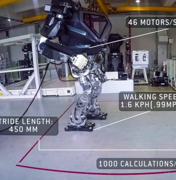 Method-2 Autoblog Video Test Ride Piloted Robot Mecha Suit Mech Development Korea Yang Jin-Ho Hankook Mirae Technology