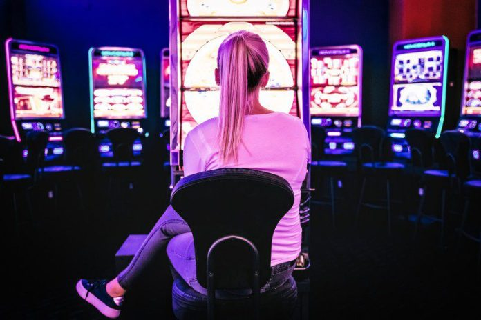 Woman playing in casino online gaming tips article
