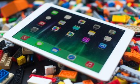 Multitasking-iPad-Air-Gary-Wang-LA-School-District-cancels-iPad-Program