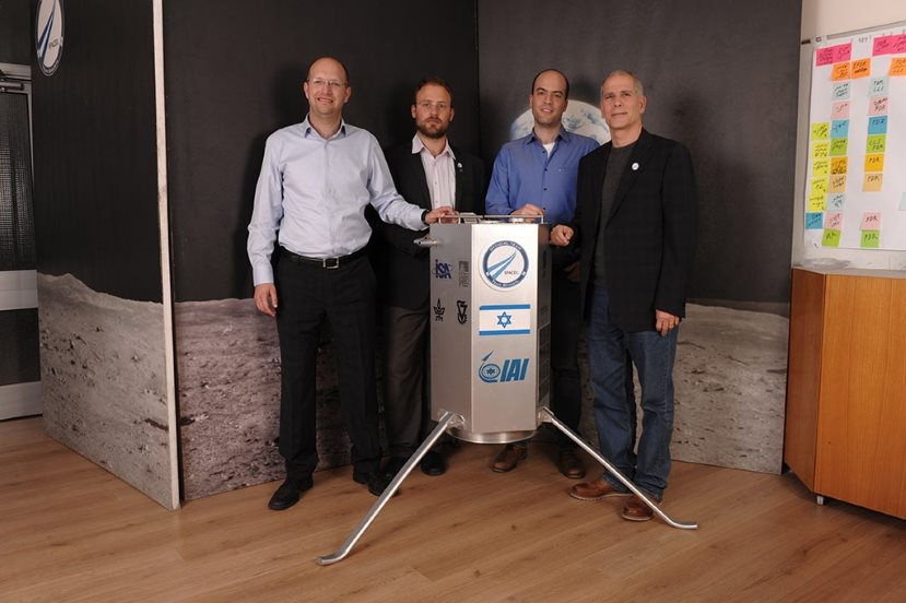 spaceil-co-founders-with-the-ceo-and-the-spacecraft