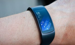 Samsung-Gear-Fit2-review