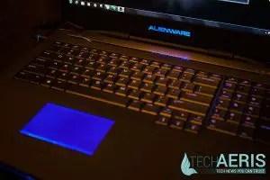 Alienware-17-Review-Blue-LED