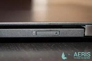Lenovo-ThinkPad-X1-Carbon-Review-SIM-Slot