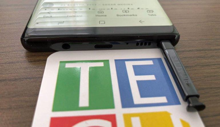 Entrada 3.5 mm de audífonos y USB-C en el Note 8