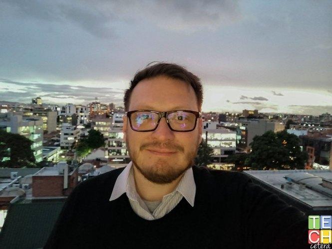 Selfie a contraluz con el Huawei Y9 Prime 2019