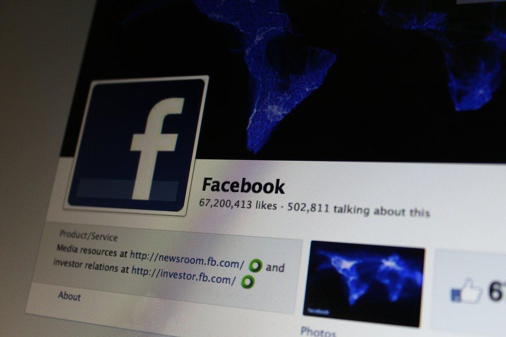 Facebook Shows Link Info