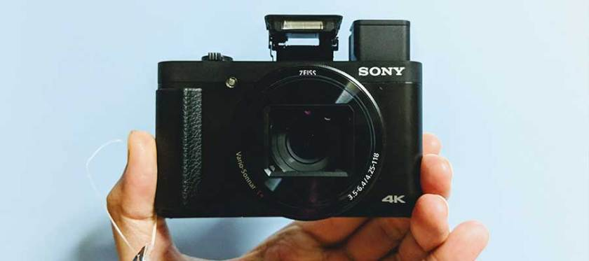Electronic Viewfinder and Pop-up Flash   Tech Coffee House