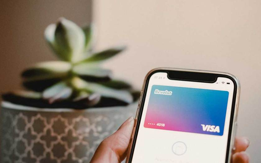 Singapore consumers prefer contactless card payment