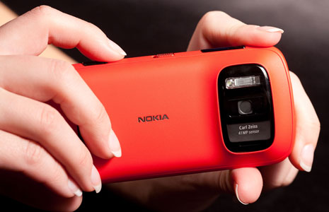 Nokia 808 PureView hands-on