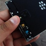 Το BlackBerry Passport Φωτογραφίζεται Δείχνοντας Το Πόσο Μεγάλο Είναι