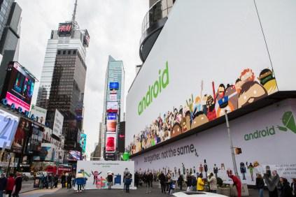 Google s massive Android billboard ad (2)