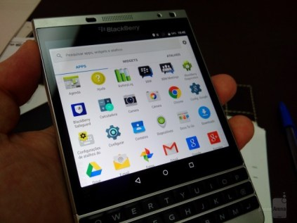 BlackBerry Passport Silver Edition with Android leak 2