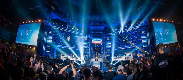 Twitter Will Live Stream 1500 Hours Of ESports Including