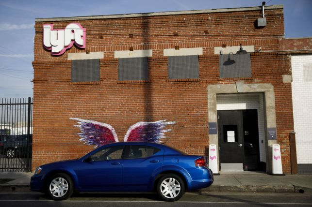 Lyft beefs up car rental program for drivers