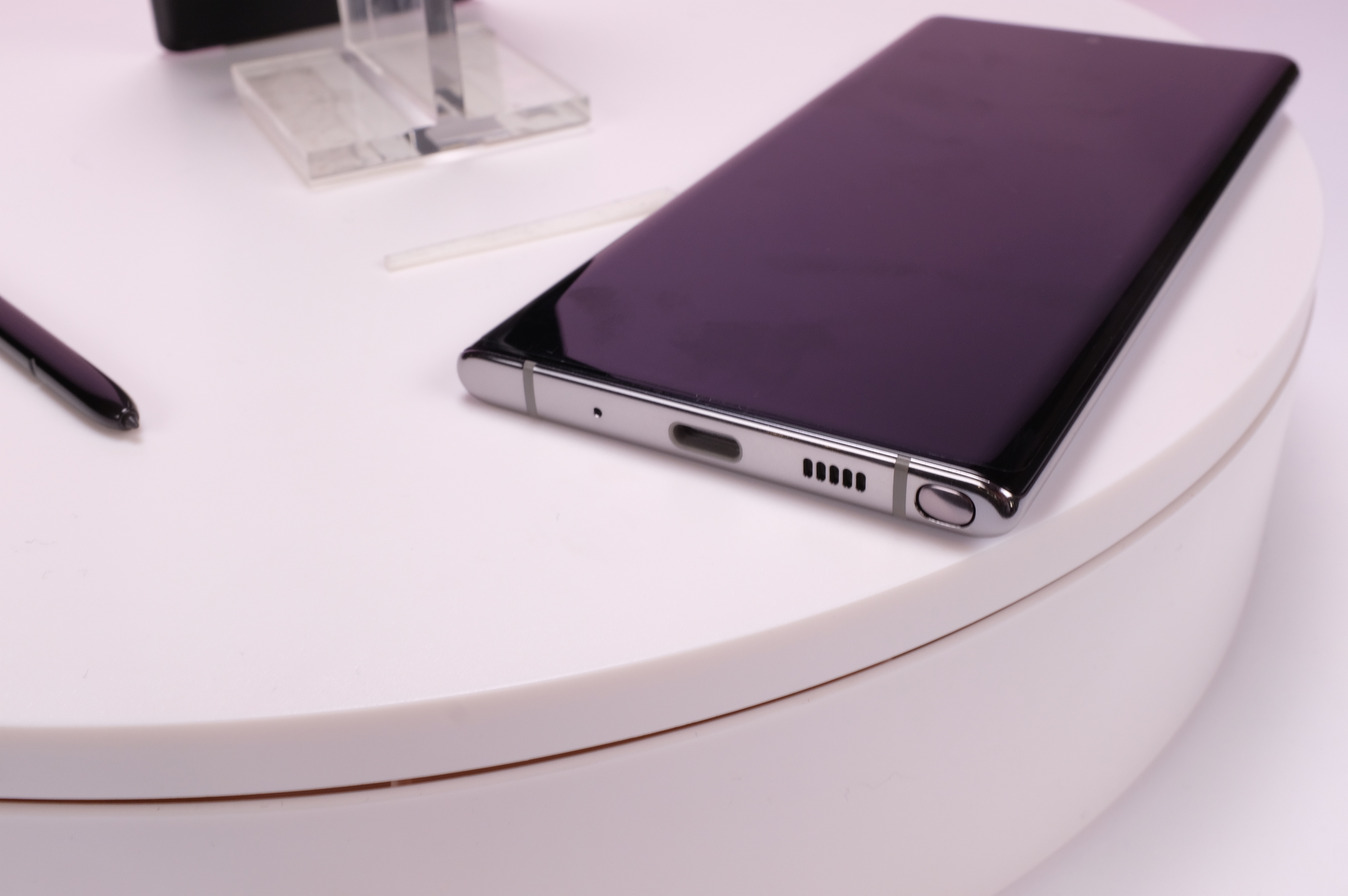 This is Samsung's Galaxy Note 10 and 10+