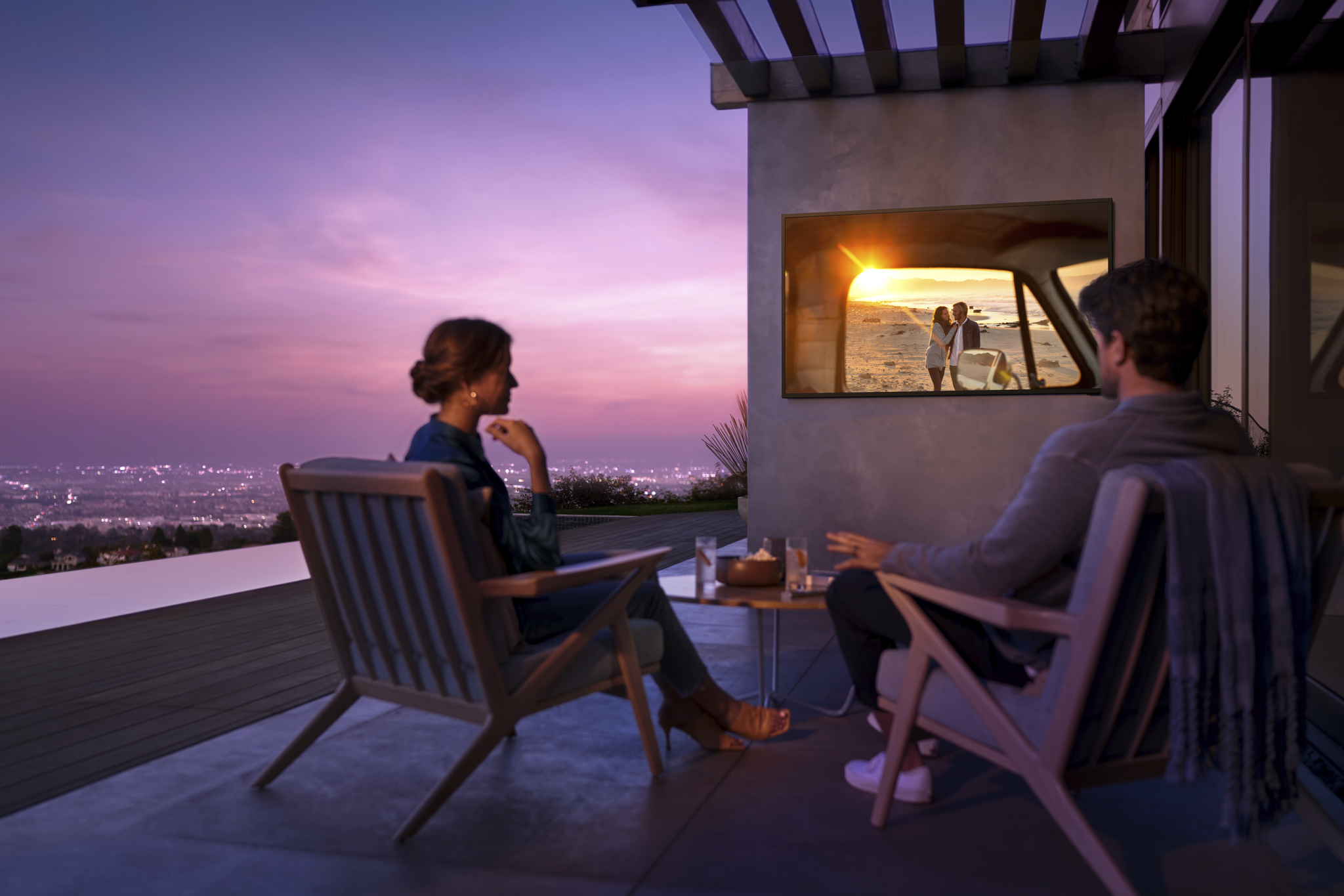 Enjoy some 4K TV with your nature on Samsung's new outdoor sets thumbnail