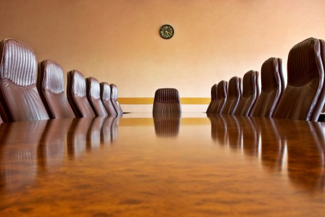 Let's strike a deal. A crash course in corporate governance Development