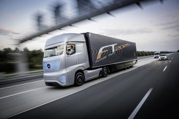 http---s1.cdn.autoevolution.com-images-news-gallery-mercedes-benz-unveils-future-truck-2025-video-photo-gallery_1