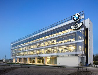 BMW Turns Streetlights Into Electric-Car Charging Stations