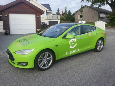 http---evobsession.com-wp-content-uploads-2014-06-tesla-taxi-1