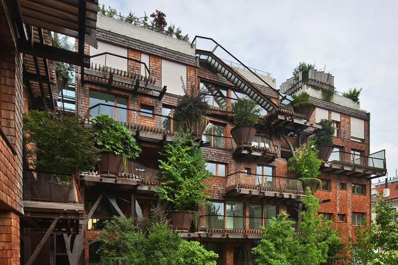 air-and-noise-pollution-proof-treehouse-in-turin-italy-3