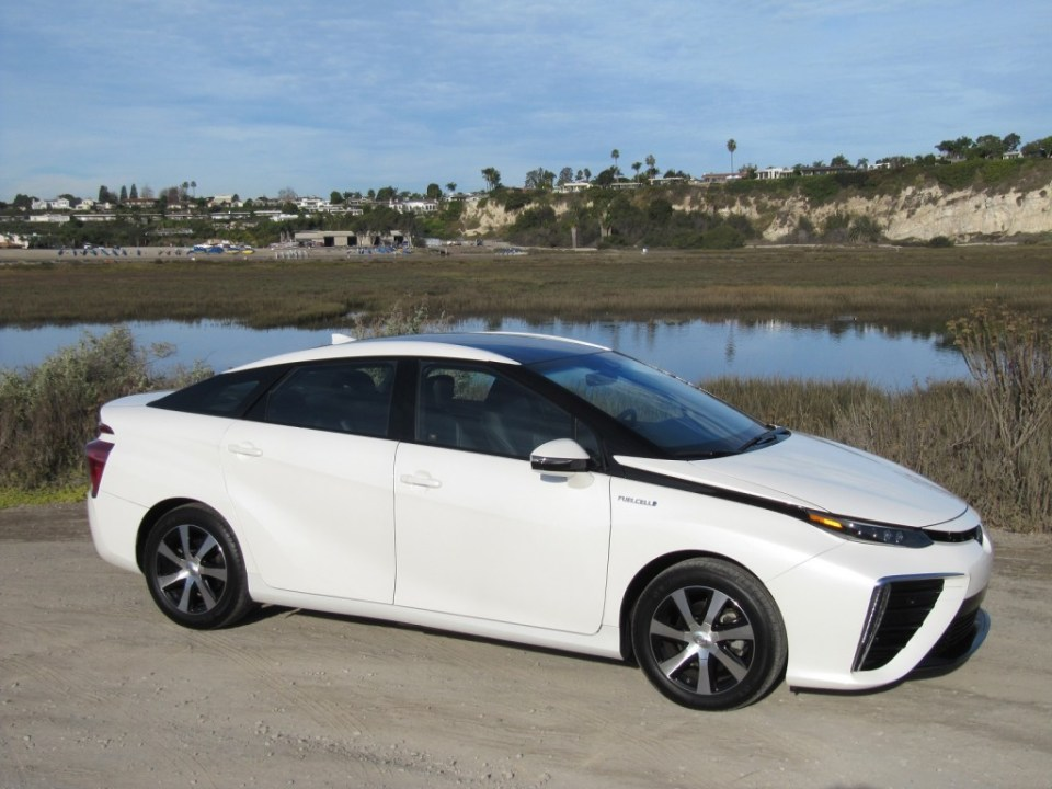 2016-toyota-mirai-hydrogen-fuel-cell-car-newport-beach-ca-nov-2014_100490081_l