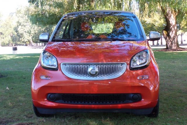 2016-smart-fortwo-0011-640x427-c