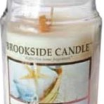 Brookside Candle Fresh Linen 18 oz Candle with Clothespin Accent