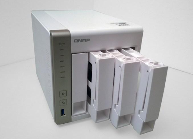 QNAP Turbo NAS TS-451 e UX-500P